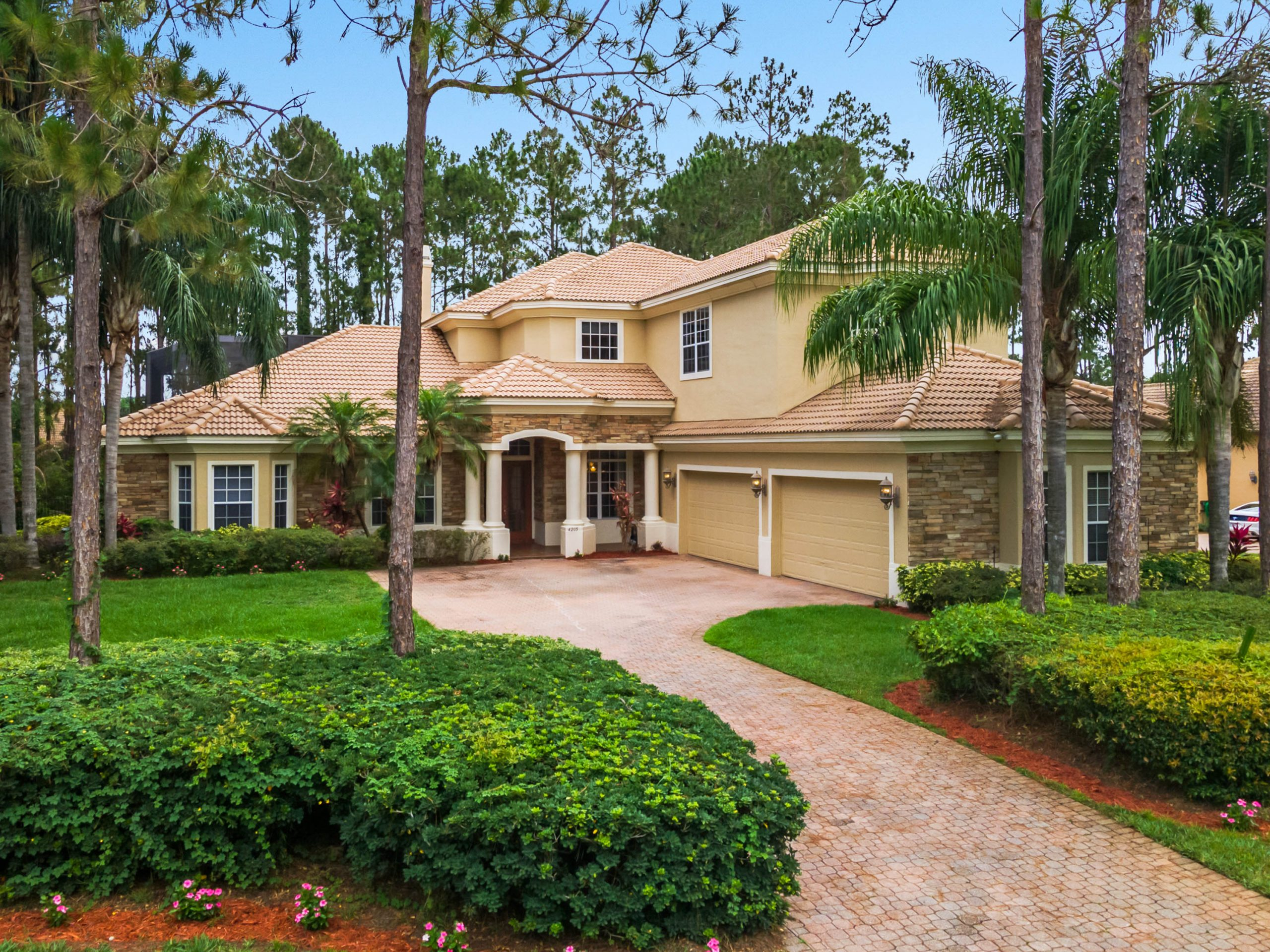 7 Bedroom 9 Bath Windermere Home Hits in the Market