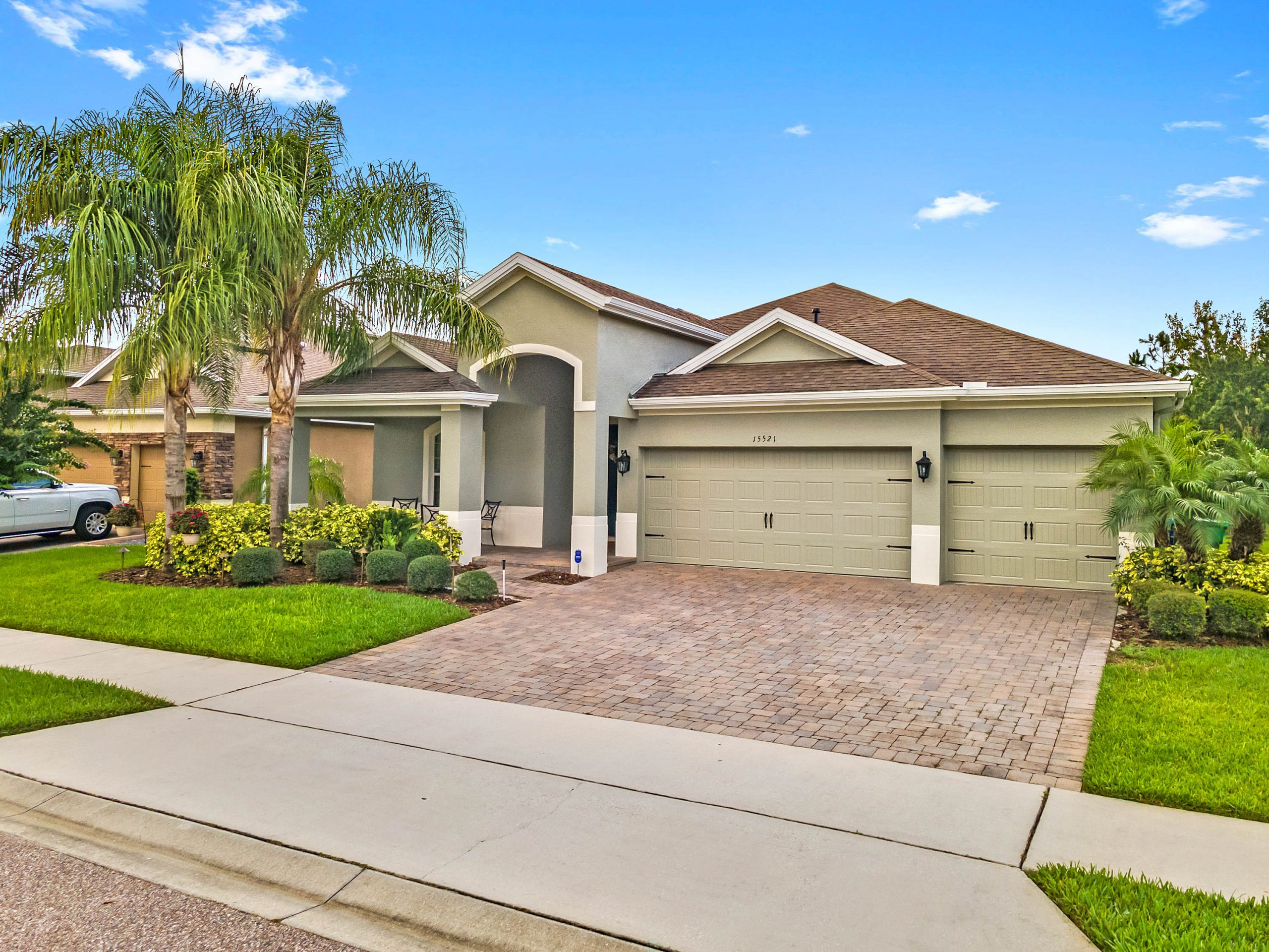 Original Home Owner Lists Move in Ready Home in Winter Garden at Carriage Pointe
